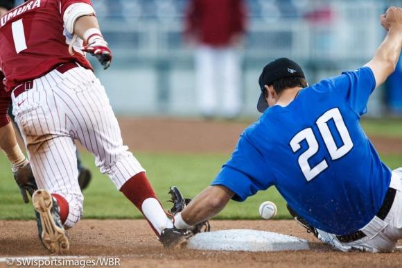Photo Gallery: Creighton Baseball Falls to Arkansas