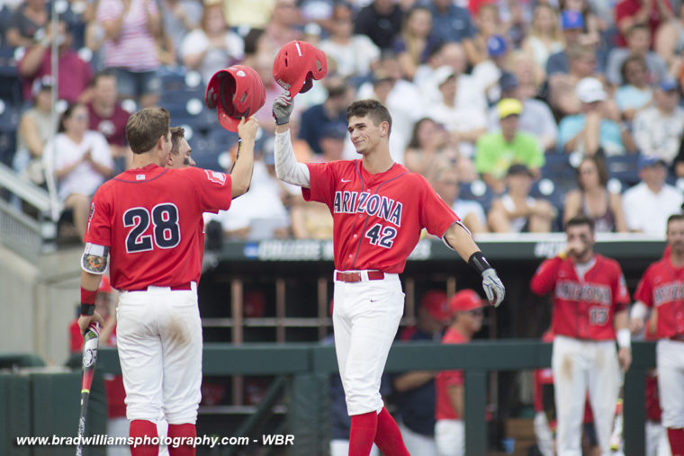 2016 College World Series Day 8: Wildcats, Chanticleers advance to CWS Finals
